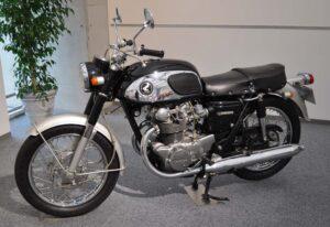 Honda Dream CB450